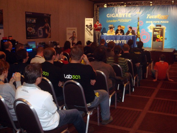 TweaKING Press Conf 08