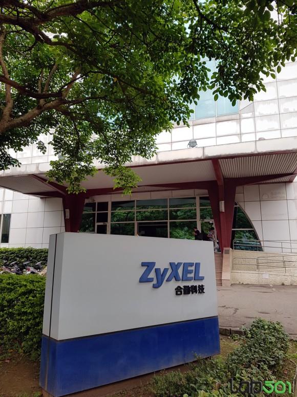 Zyxell-01