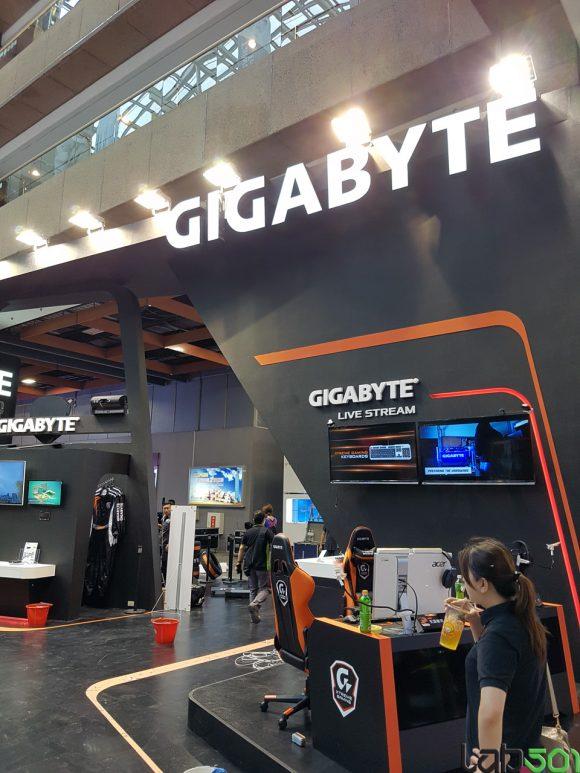 GIGABYTE-01