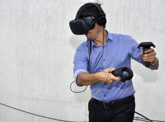 VR-03