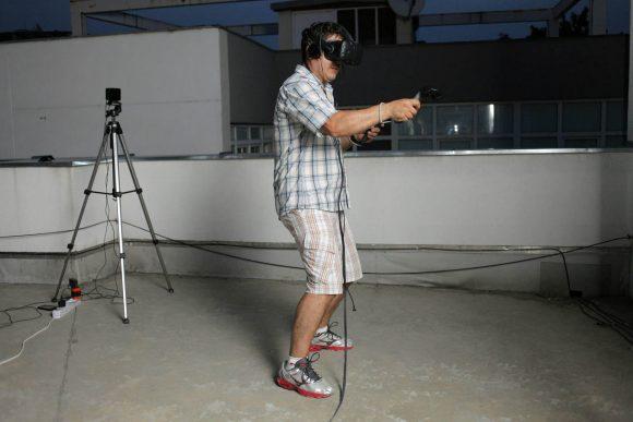 VR-08
