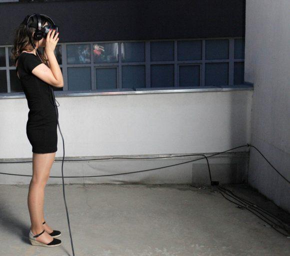 VR-09